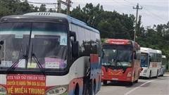 Lập biên bản 23 công dân thuê xe đi từ TP.HCM về TT-Huế tránh dịch
