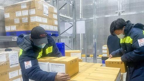 Thêm gần 600.000 liều vắc xin AstraZeneca về đến Việt Nam
