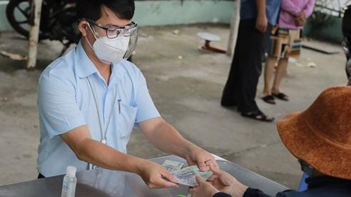 Người lao động tự do và hộ nghèo TP.HCM được nhận tiền hỗ trợ lần 2 trước ngày 10/8