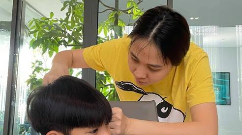 Tự tay làm việc này cho Subeo, Đàm Thu Trang bất ngờ được khen: Hiếm có mẹ kế nào mà chu đáo như vậy
