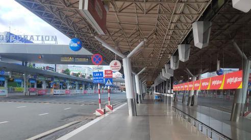 Bay nước ngoài, hành khách đến sân bay Tân Sơn Nhất cần giấy tờ gì?