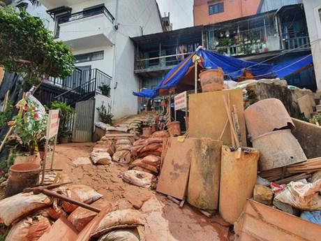 Di dời khẩn cấp 4 hộ dân ở khu vực thi công dự án chống sụt lún Đà Lạt