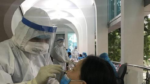 Hà Nội tiếp tục phát hiện người mắc Covid-19 ở cộng đồng, chuẩn bị oxy cho 40.000 ca mắc