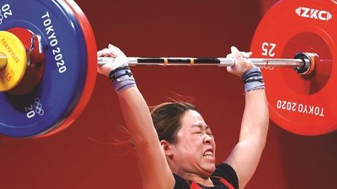 Cô gái người Giáy tại đấu trường Olympic Tokyo