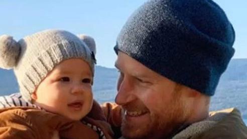Chuyên gia cảnh báo cuốn hồi ký 20 triệu USD sẽ 'gây họa' cho tình cảm cha con Hoàng tử Harry trong tương lai