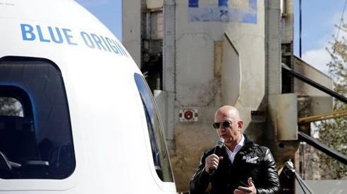 Blue Origin kiện lên chính phủ Mỹ về hợp đồng tàu đổ bộ mặt trăng của SpaceX