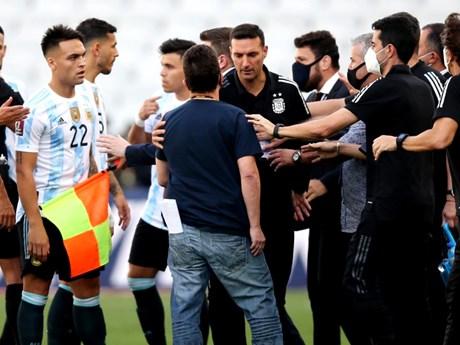 Vì sao trận kinh điển Brazil-Argentina bị hủy chỉ sau vài phút?