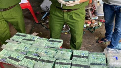 Thành phố Hồ Chí Minh: Triệt phá đường dây vận chuyển, mua bán ma túy lớn
