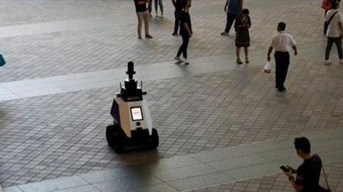 Singapore sử dụng robot để giám sát tuân thủ phòng dịch