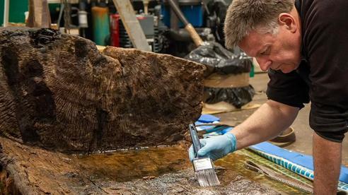 Hoảng hồn vì quan tài 4.000 năm xuất hiện giữa ao trong sân gôn