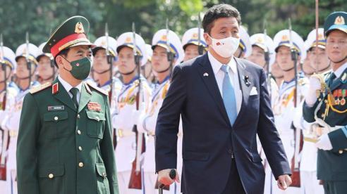 Việt Nam - Nhật Bản ký thỏa thuận chuyển giao thiết bị và công nghệ quốc phòng