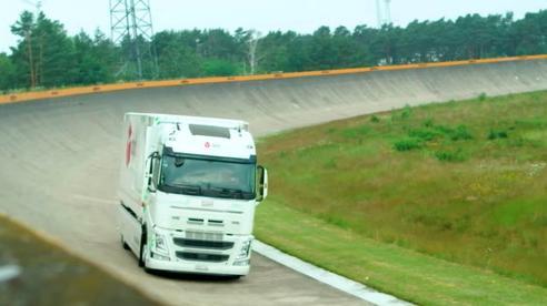 Xe điện lập Kỷ lục Guinness về quãng đường dài nhất trong một lần sạc
