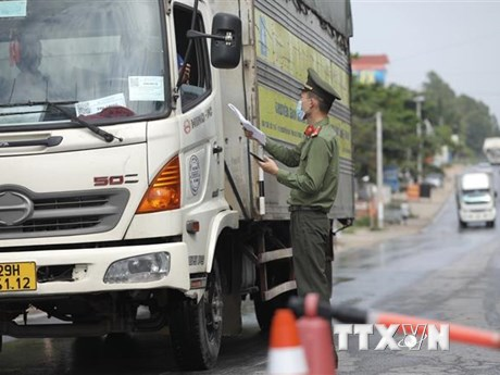 Khẩn trương bãi bỏ những quy định bất lợi cho vận chuyển hàng hóa