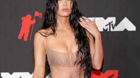 Minh tinh Megan Fox lại 'mặc như không' trên thảm đỏ