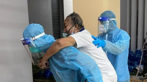 Bác sĩ cấp cứu F0 ở cộng đồng: 'Nhiều trường hợp oái oăm nhưng trên hết vẫn là niềm vui cứu người kịp thời'