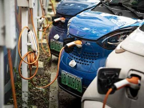 Trung Quốc khuyến khích các hãng sản xuất xe điện hợp nhất