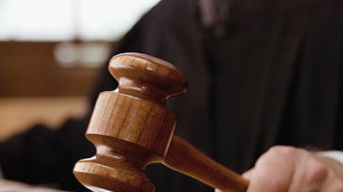 Nộp bằng khen, giấy khen, phiếu ủng hộ phòng chống Covid-19, cựu giám đốc được giảm án