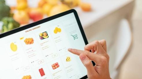 Hỗ trợ máy tính bảng cho học sinh nghèo thông qua Food Banks Vietnam
