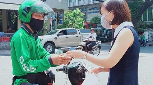 Sở GTVT Hà Nội đề xuất cho shipper giao đồ ăn trở lại