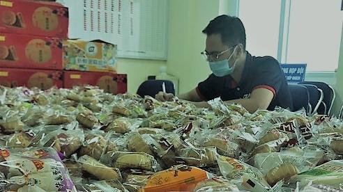 Hà Nội: Phát hiện thu giữ 5.000 chiếc bánh Trung thu không nguồn gốc sắp tuồn ra thị trường