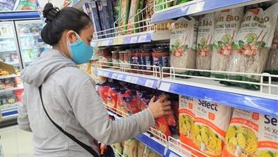 TP HCM: Hệ thống bán lẻ rục rịch đón khách, chợ truyền thống vẫn đóng cửa
