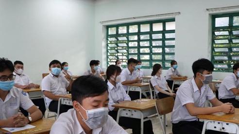 Học sinh tại 3 quận, huyện của TP HCM được đề xuất đi học trở lại