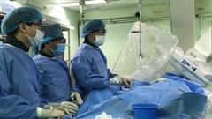 Một bệnh viện ở Cần Thơ cứu sống bệnh nhân Trung Quốc rất nguy kịch