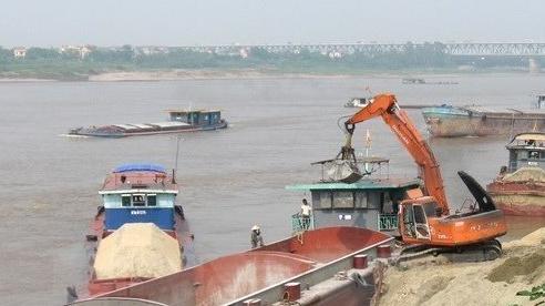 Truy tố giám đốc dùng tàu khai thác cát trái phép trên sông Hồng