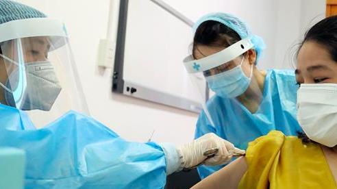 100% người dân Hà Nội đủ điều kiện đã được tiêm vaccine COVID-19