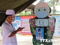 Thiếu tá quân đội sáng chế robot rửa tay, sát khuẩn chống COVID-19