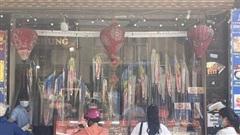 Bắc Từ Liêm: Người dân 'vùng xanh' kiên nhẫn, xếp hàng giãn cách mua bánh trung thu