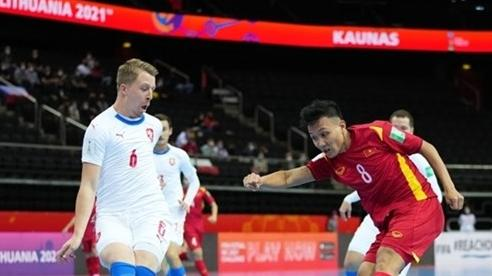 Vào vòng 1/8 World Cup, tuyển futsal Việt Nam nhận mưa thưởng nóng