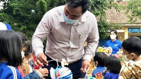 Nhiều chương trình đón Tết Trung thu đến với trẻ em tỉnh Kon Tum