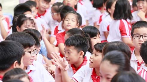 Học sinh ở 25 địa phương vẫn được đến trường