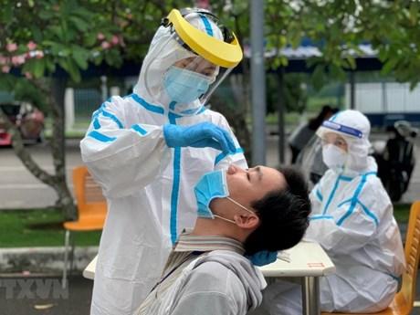 Thành phố Hồ Chí Minh thay đổi cách thức lấy mẫu xét nghiệm COVID-19