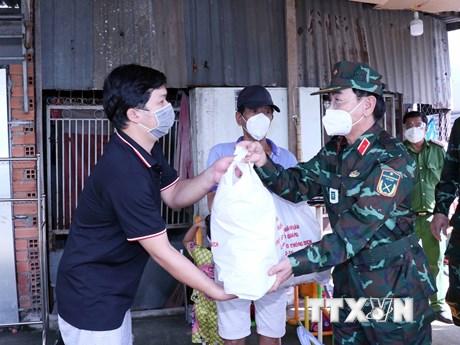 Bàn giao 110 tấn nông sản của tỉnh Tuyên Quang tặng nhân dân TP.HCM