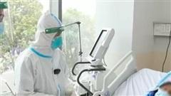 F0 bệnh nặng được xuất viện sau hơn 1 tháng điều trị tại BV Hồi sức Covid-19