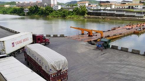 Cửa khẩu Móng Cái: Hết cảnh ùn ứ hàng trăm tấn thanh long