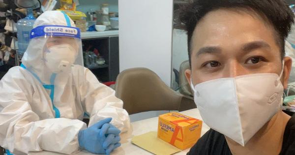 Một nam ca sĩ showbiz Việt nhiễm COVID-19 dù test âm tính nhiều lần, chỉ ở nhà không đi đâu