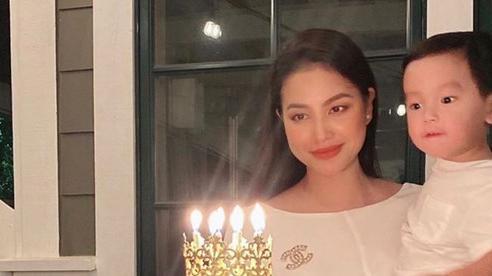 Hoa hậu Phạm Hương lần đầu khoe cận mặt quý tử thứ hai