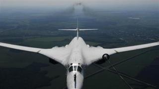 'Thiên nga trắng' của Nga bị hàng loạt chiến cơ nước ngoài bám sát