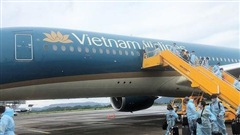 Chuyến bay đầu tiên từ châu Âu thí điểm chương trình cách ly 7 ngày về đến Vân Đồn