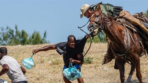 Kỵ binh Mỹ đuổi người tị nạn: Chính sách bối rối...