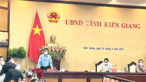 Giám đốc Bệnh viện Chợ Rẫy dẫn đoàn xuống Kiên Giang hỗ trợ chống dịch