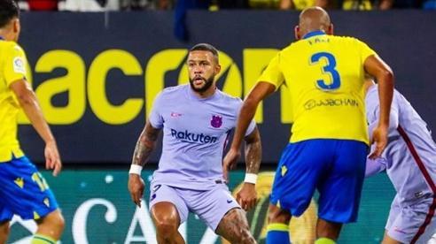 De Jong và HLV Koeman ăn thẻ đỏ, Barca hòa thất vọng