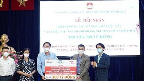 Tập đoàn Sovico hỗ trợ TP.HCM 200 tỷ đồng xét nghiệm 2 triệu mẫu và tặng 1 triệu kit xét nghiệm