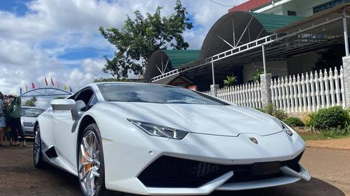 Chàng trai 'dân huyện' ở Đắk Lắk mua siêu xe Lamborghini
