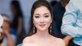 Hoa hậu Nguyễn Thị Huyền gây 'sốt' với loạt ảnh xưa cũ