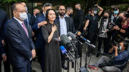 'Công chúa Huawei' Mạnh Vãn Chu đã về đến Trung Quốc