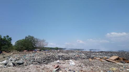 Các tỉnh du lịch bức bí với rác thải